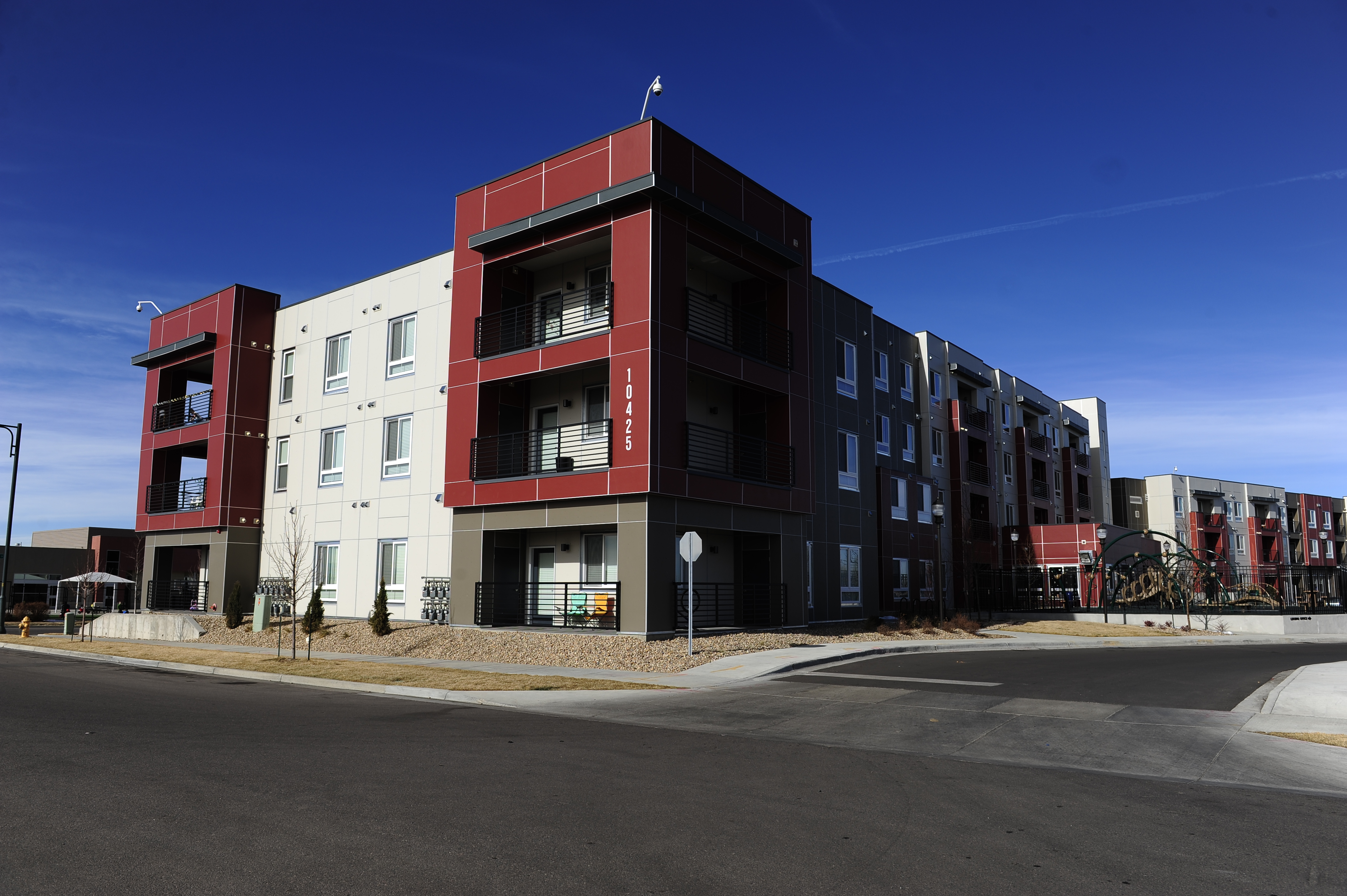 bluff-lakes-apartments-denver